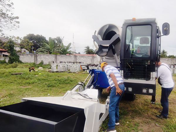 Self Loading Concrete Mixer in Philippines