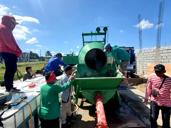 Mixer Pump working in the Philippines
