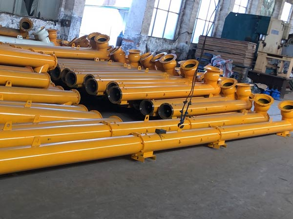 Screw Conveyor for Delivering Cement