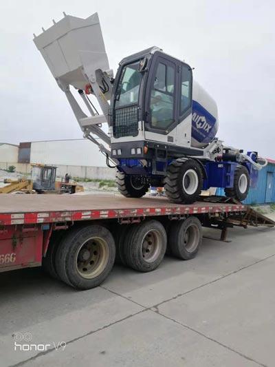 Transporting Self Loading Mixer